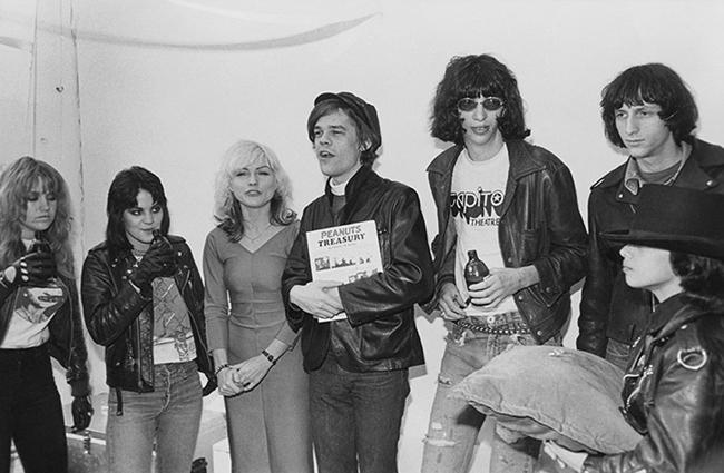 ramones right wing 8 Home
